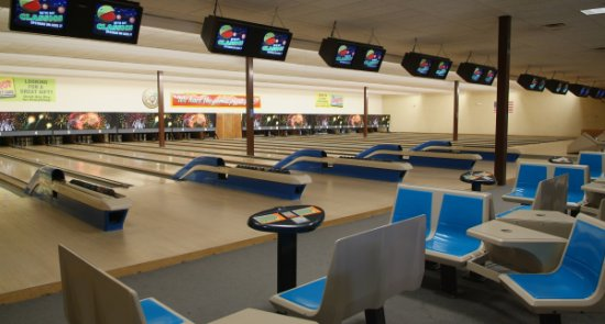 panorama of Funspot bowling center